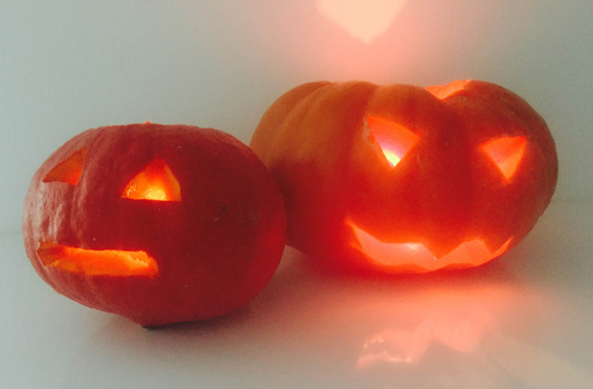 Katy Mitchell's pumpkins made us laugh.. (the poor left pumpkin...)