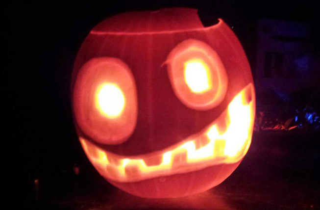 Are Shane Walker's Pumpkins  cool or what?  Looks like Disney's Monsters Inc.